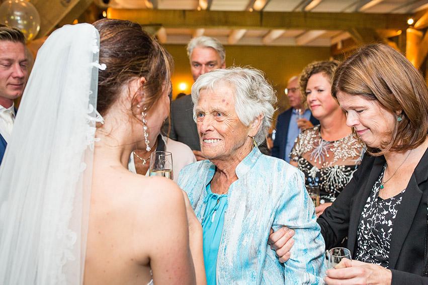 bruiloft in Castricum - FloorFoto - oma