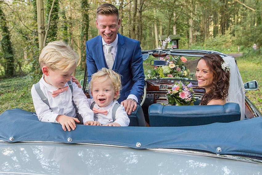 bruiloft in Castricum - FloorFoto - fotoshoot in de auto