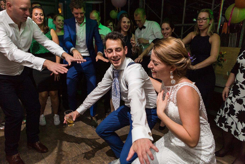 Trouwfotografie in Haarlem - trouwfeest in het Veerkwartier