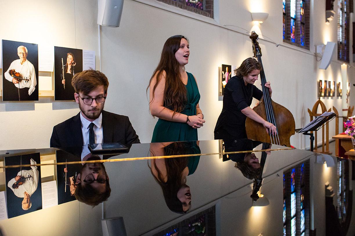 Trouwfotografie in Haarlem - muziek tijdens de ceremonie