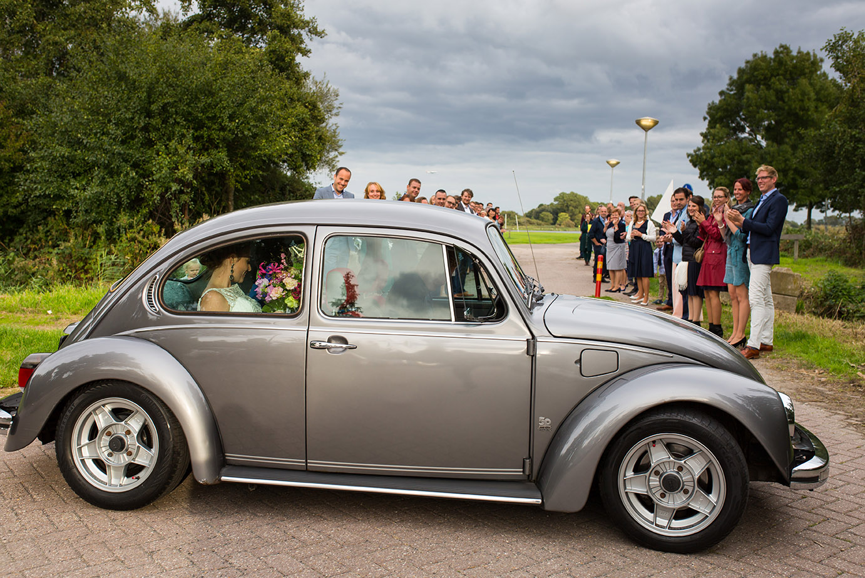 Trouwfotografie in Haarlem - aankomst van het bruidspaar
