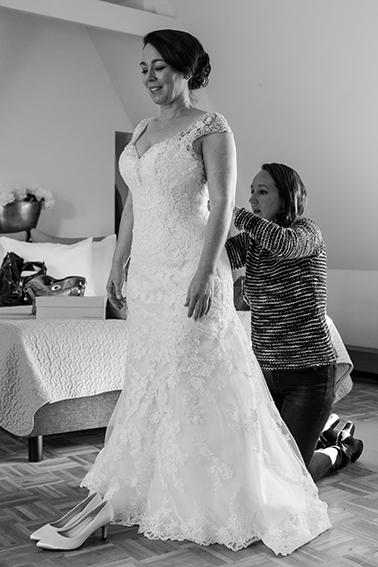 trouwen in Haarlem - FloorFoto - aankleden