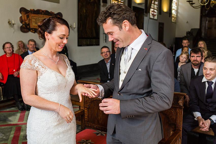 bruiloft in Haarlem - Gravenzaal - de ringen