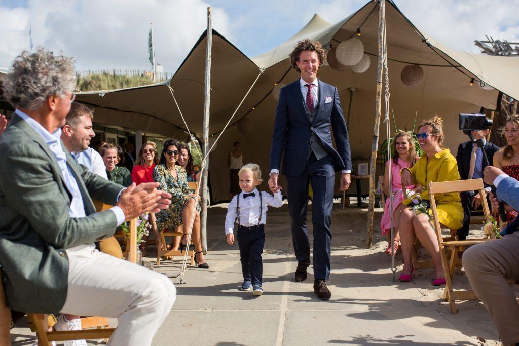 Trouwfoto's: trouwen op het strand